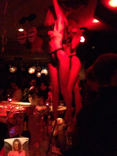 girls on bar